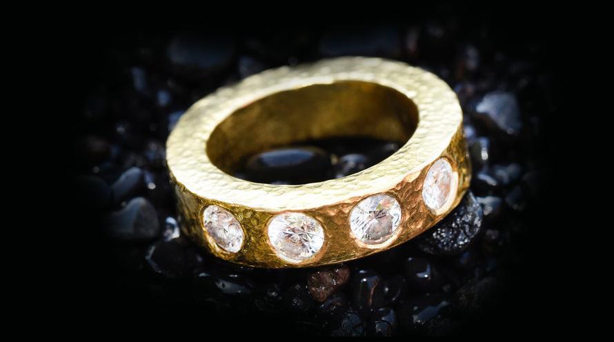 طراحی جواهرات انگشتر